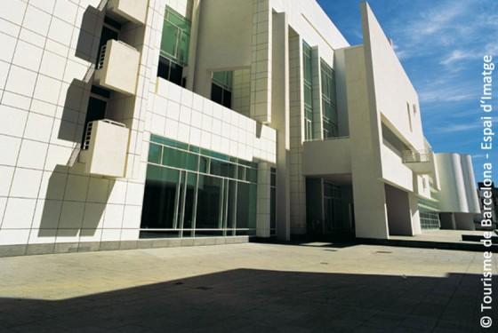 Outside view of the art Museum d'art Contemporani de Barcelona MACBA