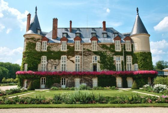 Facade of the Chateau de Rambouillet in paris
