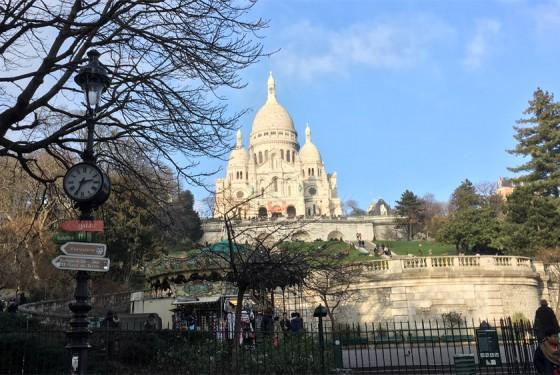 Exterior view of the Basilique du Sacre Coeur in Paris
