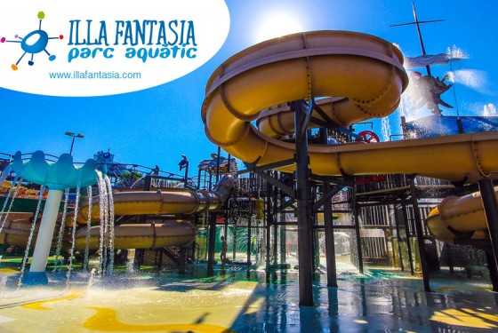 Water park Illa Fantasia with rides close to Barcelona